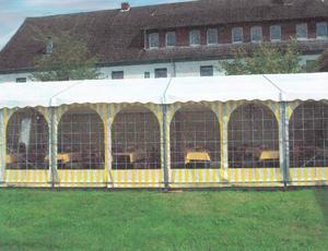 Zelt mit Glasfenster
